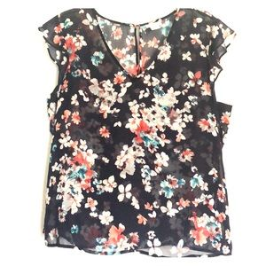 Liz Claiborne ladies top